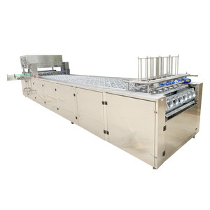 Strawberry medlar filling and sealing machine